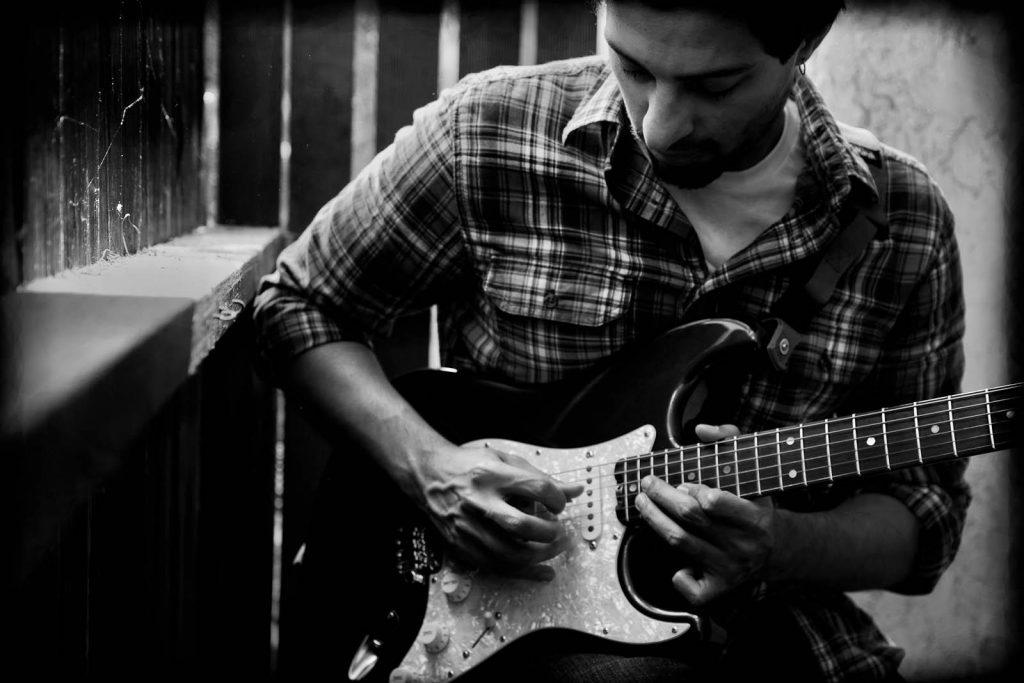 fabio ribeiro - Aulas Online de Guitarra e Violão via Skype